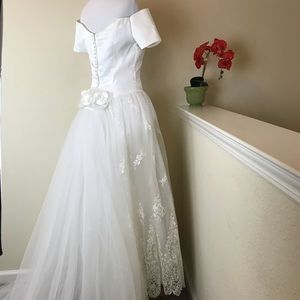 Alfred Angelo White Wedding Gown